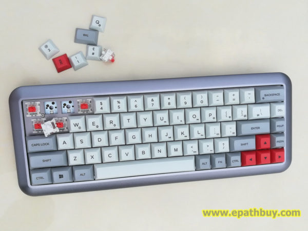 iGK68 hot swap mechanical keyboard keycaps and switches.
